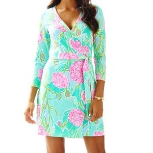 Lilly Pulitzer Meridian Wrap dress going stag